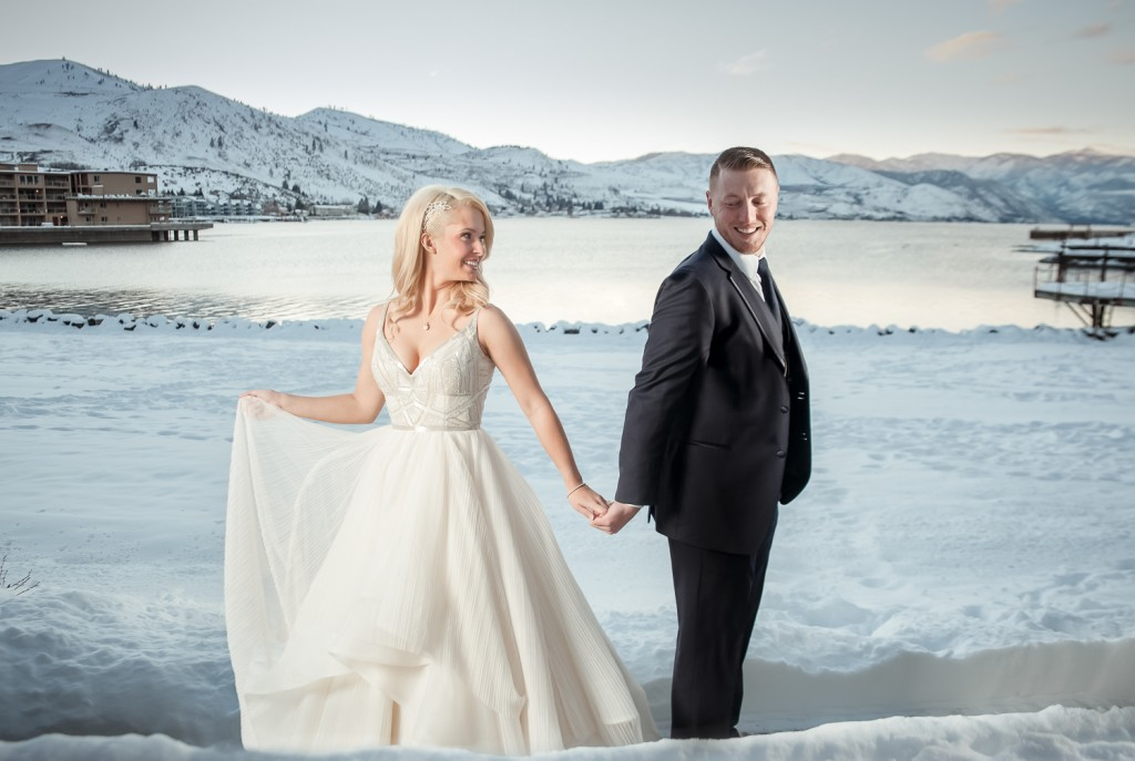 Madi+Bo, Beautiful Winter Wedding, Campbells Resort, Lake Chelan Flowers, Rogue Heart Media, Lake Chelan Wedding Rentals